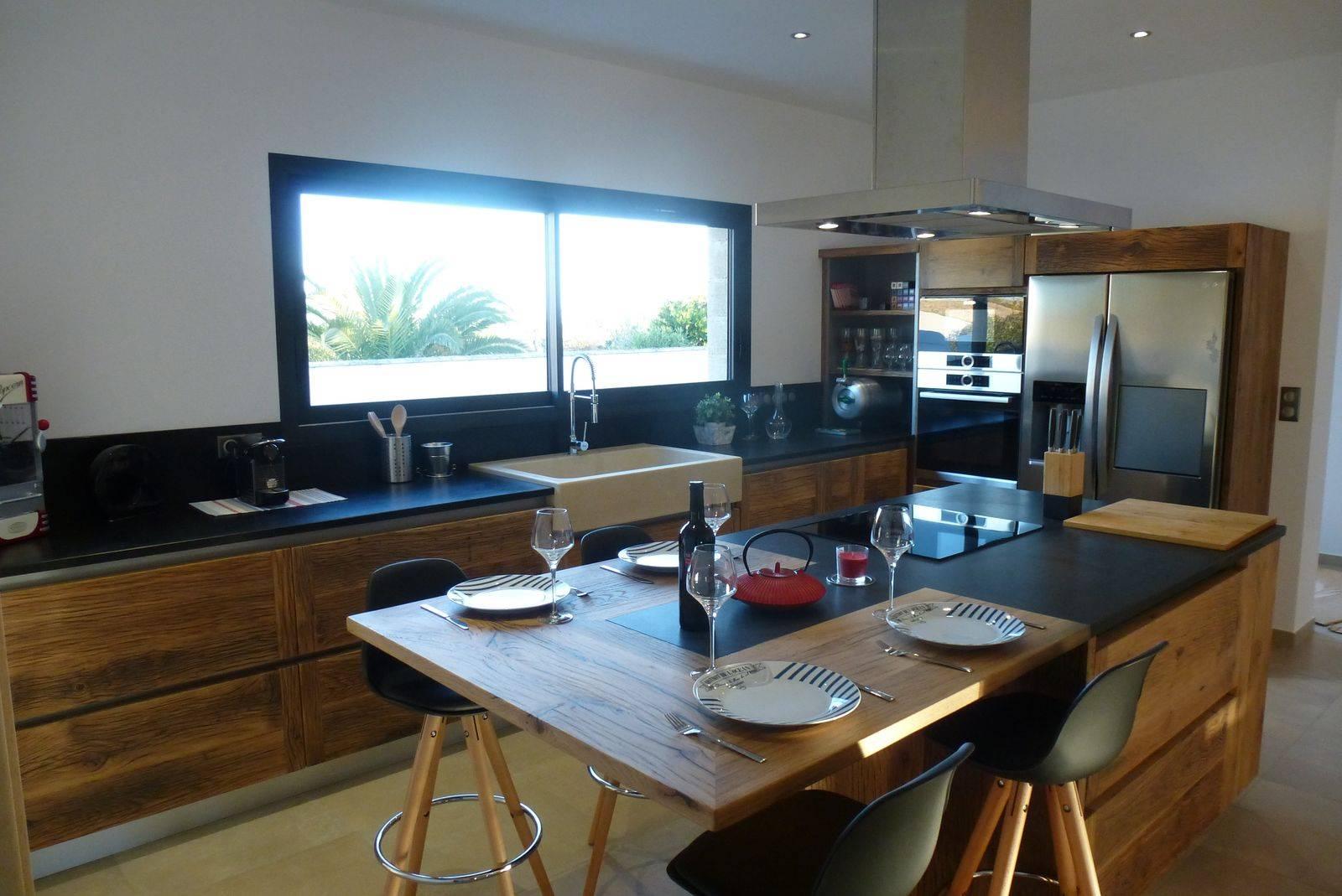 cuisine contemporaine en bois massif arles atelier. Black Bedroom Furniture Sets. Home Design Ideas