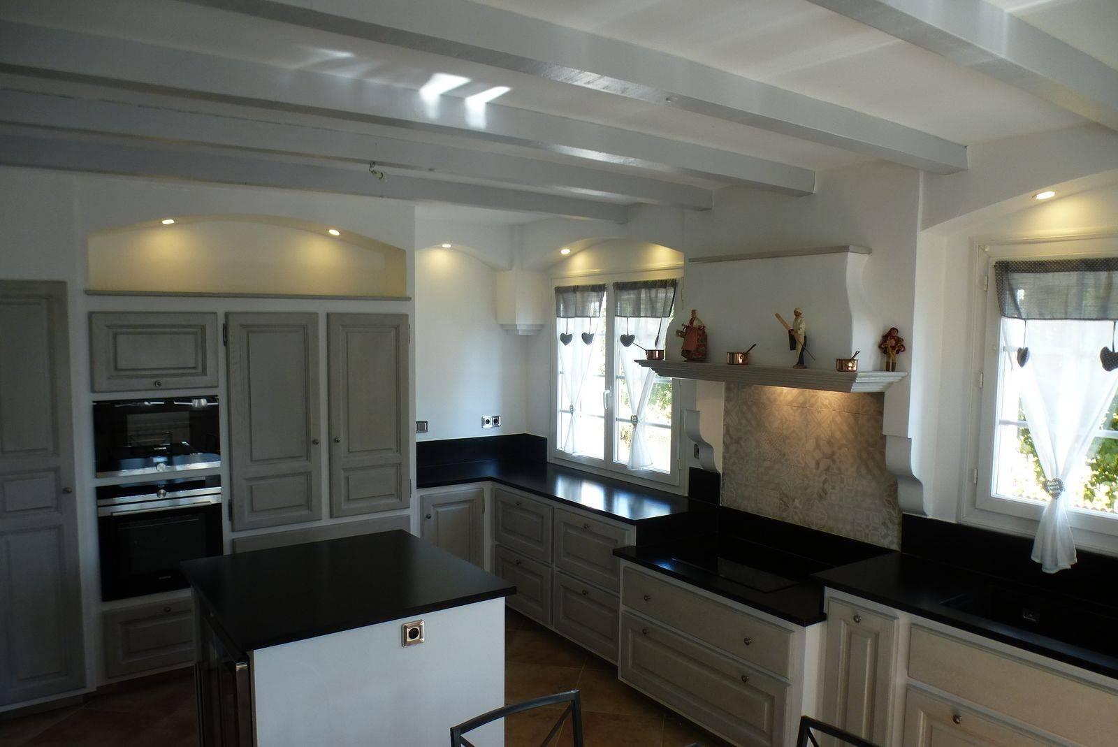 cuisine proven ale moderne en ch ne r alis e orsan dans le gard atelier bois deco. Black Bedroom Furniture Sets. Home Design Ideas